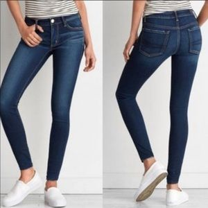 American Eagle mid rise Super Skinny Jeans sz 8